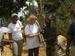 Kamerun / Spass bei der Arbeit