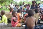 Simbabwe Kinder Nahrungsverteilung