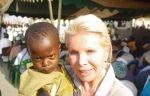 Unesco Stiftung - Helferin mit Kind